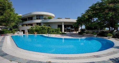 Summer Luxury Pool